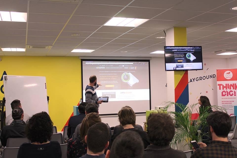 Martin Leclerc en train de faire une présentation