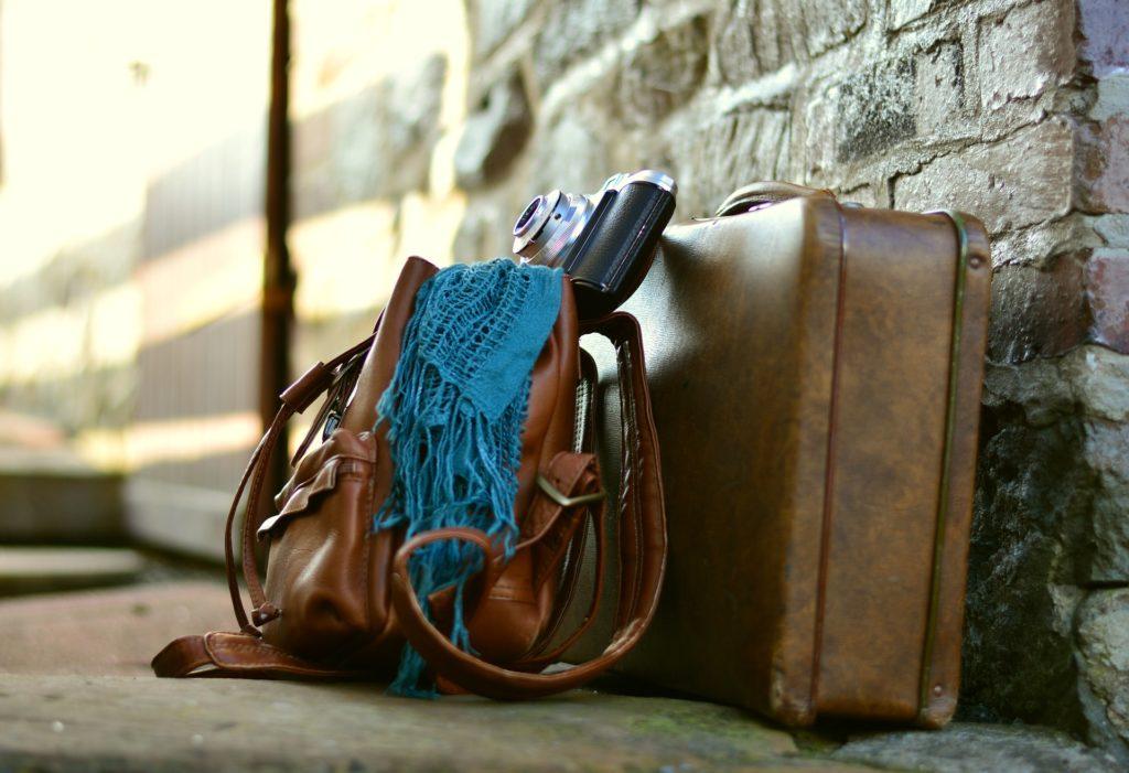 sac de voyage, valise, appareil photo